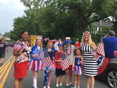 Councilwoman Cartright and Legistlator Kara Hahn with Children at Parade