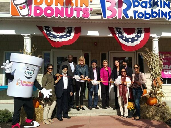 Dunkin Donut ribbon cutting