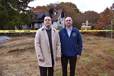 Town Demolishes Burned Out  Zombie House on Broadway in Shirley