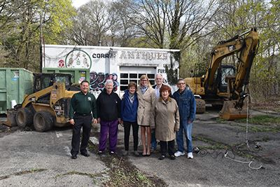 Coram Swap and Shop Demolition group photo