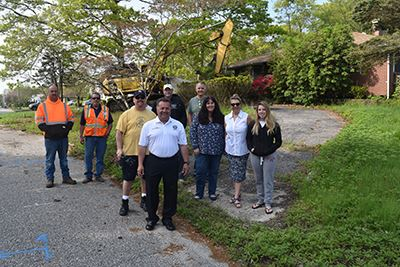 8 Donack Lane Demolition group photo