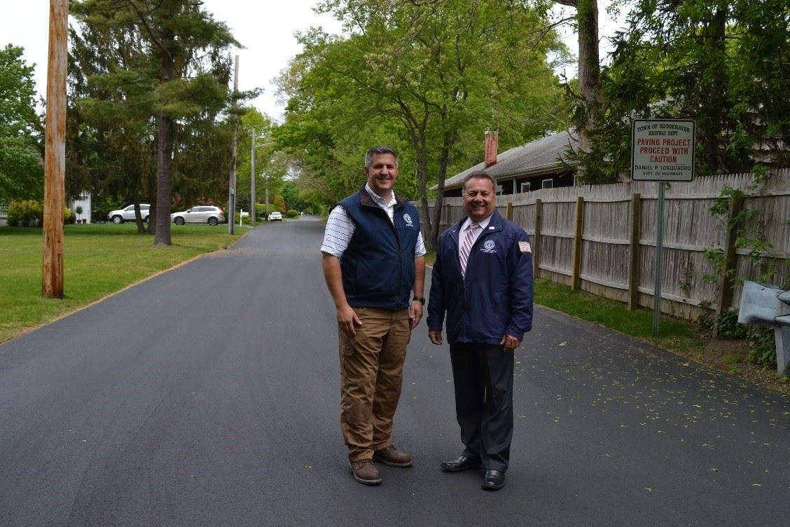 Superintendent Losquardro and Councilman Loguercio on Circuit Rd. in Bellport