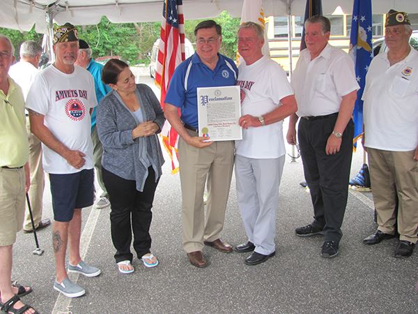 Supervisor Romaine at Testimonial Barbeque in Ronkoknkoma to Honor AMVETS National Commander Harold