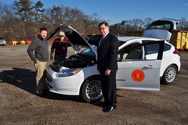 Supervisor Romaine Announces First Fully Electric Car Added to Towns Vehicle Fleet