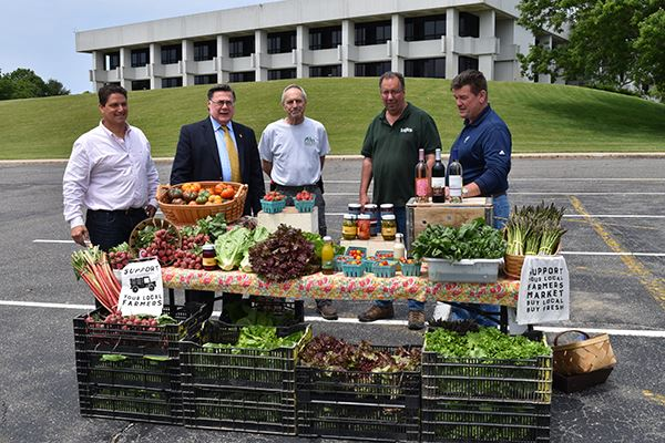 Town of Brookhaven and LI Farm Bureau Celebrate Grand Opening of Weekly Farmers Market at Town Hall