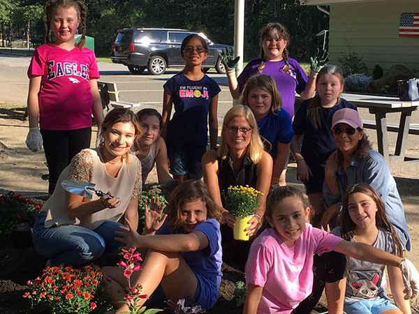 Councilwoman Bonner Joins Girl Scout Troop 770 for Gardening Project at the Robert Reid Recreation C